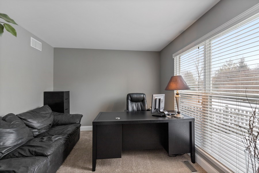 Real Estate Photography - 291 Galway, Grayslake, IL, 60030 - Office
