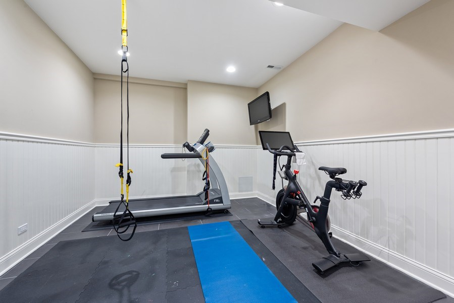 Real Estate Photography - 463 Provident Ave, Winnetka, IL, 60093 - Gym