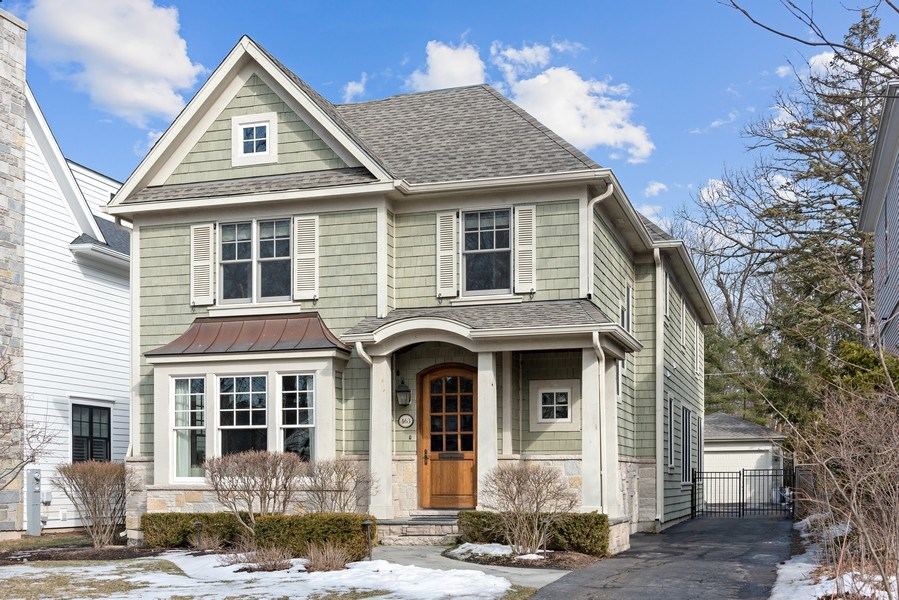 Real Estate Photography - 463 Provident Ave, Winnetka, IL, 60093 - Front View