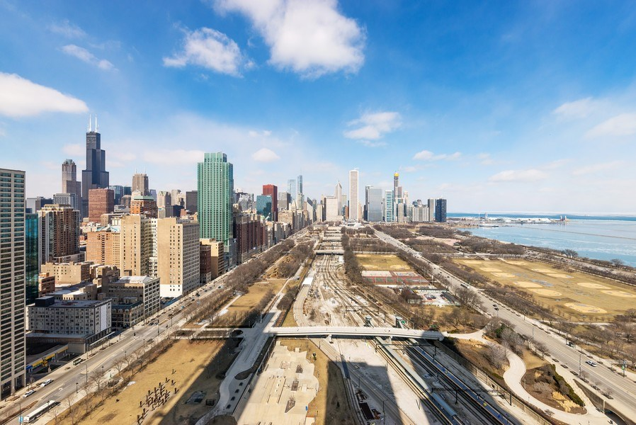 Real Estate Photography - 1201 S Prairie, 3101, Chicago, IL, 60605 - North East View