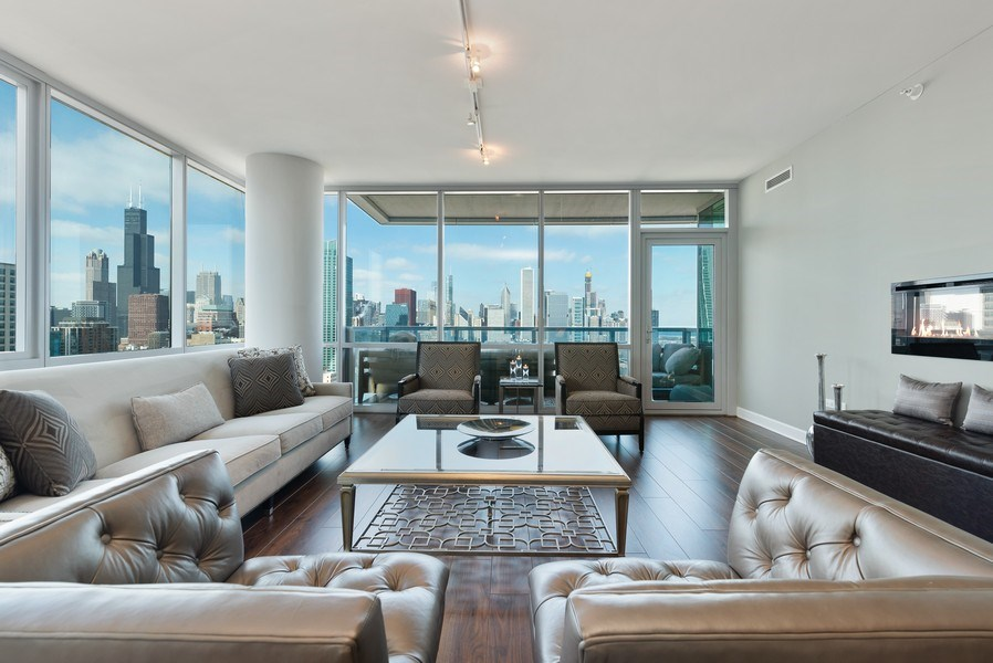 Real Estate Photography - 1201 S Prairie, 3101, Chicago, IL, 60605 - Living Room