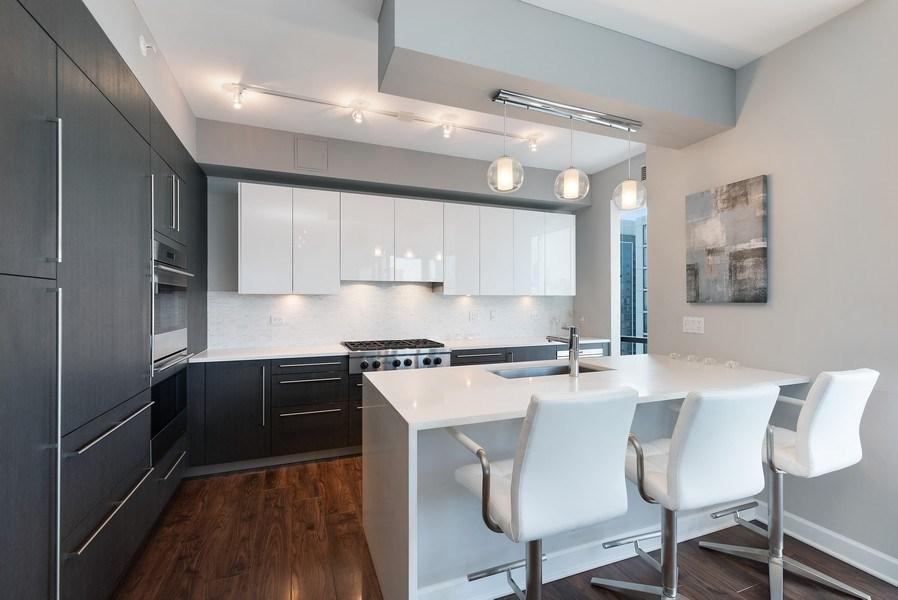 Real Estate Photography - 1201 S Prairie, 3101, Chicago, IL, 60605 - Kitchen