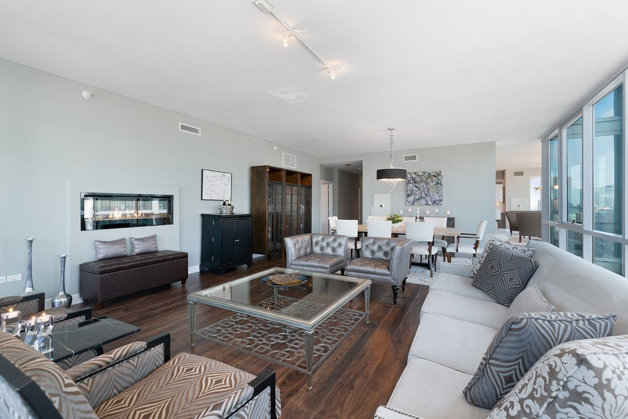 Real Estate Photography - 1201 S Prairie, 3101, Chicago, IL, 60605 - Living Room / Dining Room