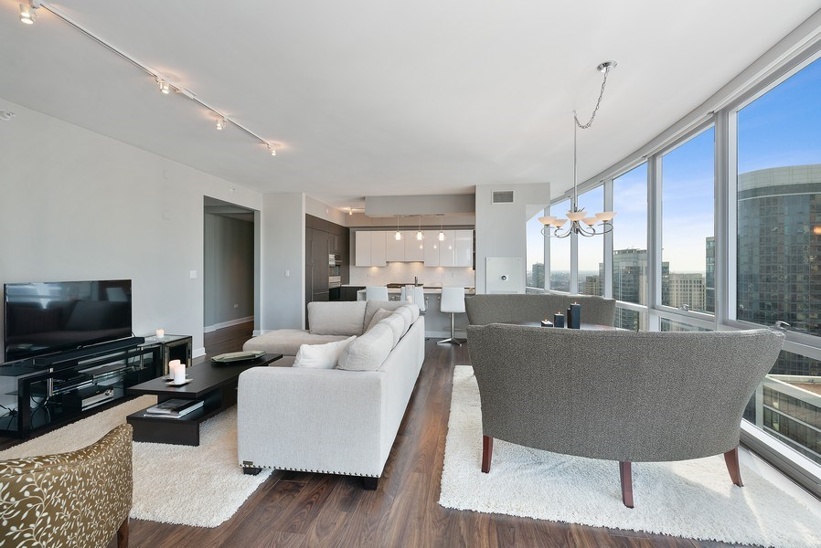 Real Estate Photography - 1201 S Prairie, 3101, Chicago, IL, 60605 - Family Room / Kitchen