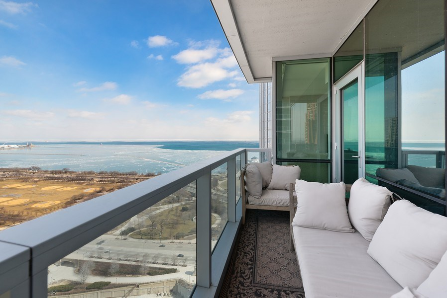 Real Estate Photography - 1201 S Prairie, 3101, Chicago, IL, 60605 - Balcony