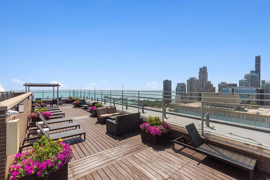Real Estate Photography - 260 E. Chestnut Street, Unit #3206, Chicago, IL, 60611 - Common Sundeck