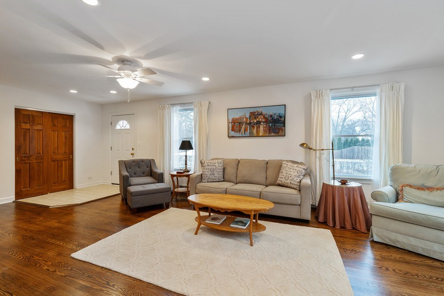 Real Estate Photography - 600 Garfield Ave, Lake Bluff, IL, 60044 - Living Room