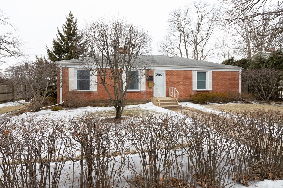 Real Estate Photography - 600 Garfield Ave, Lake Bluff, IL, 60044 - Front View