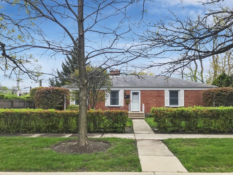 Real Estate Photography - 600 Garfield Ave, Lake Bluff, IL, 60044 -