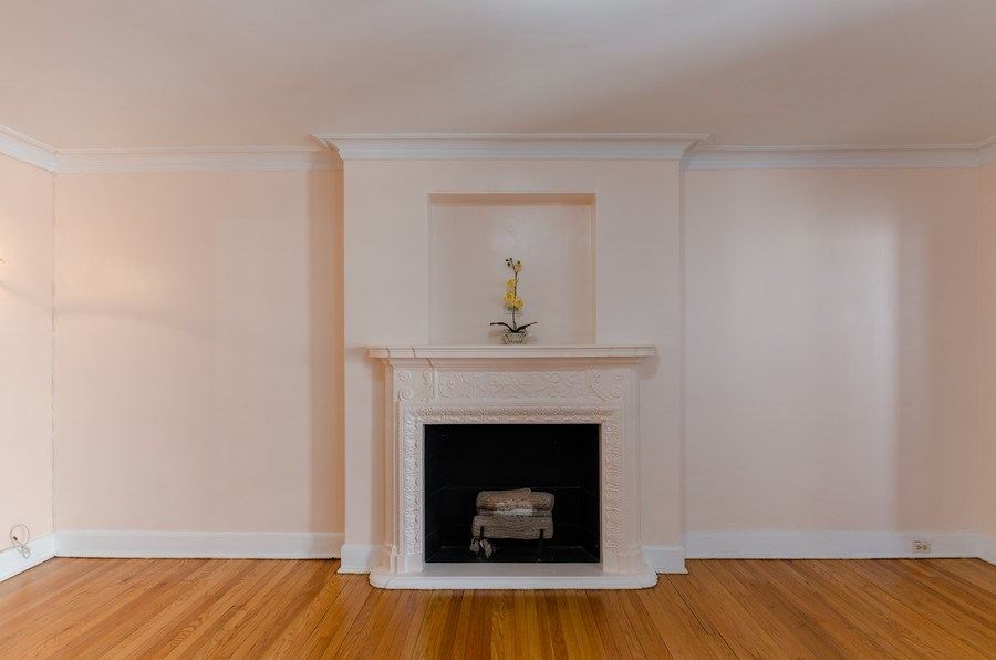 Real Estate Photography - 1755 E. 55th St., #606, Chicago, IL, 60615 - Living Room