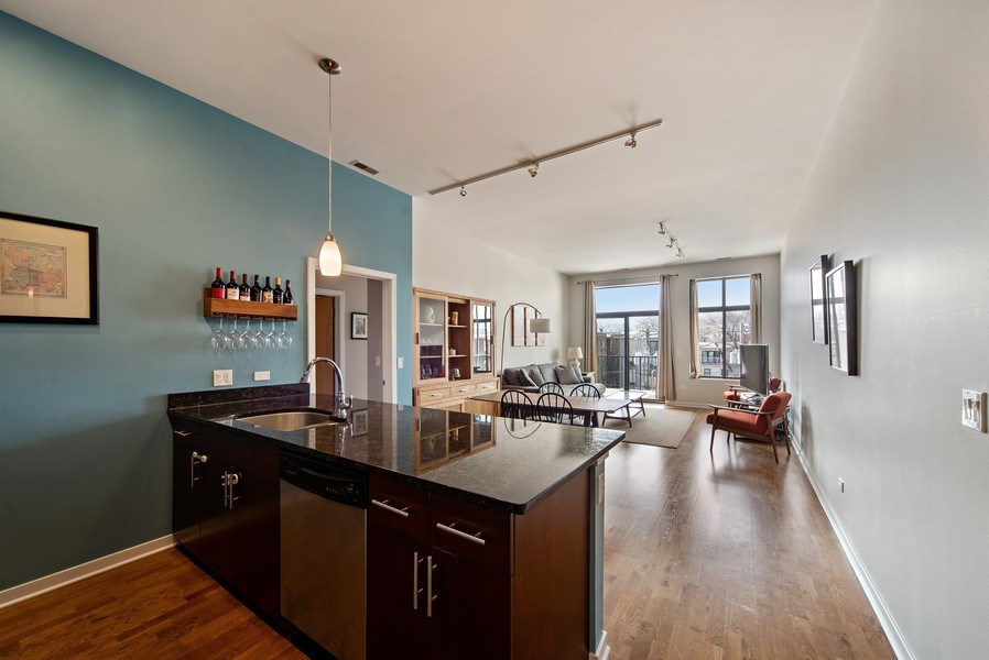 Real Estate Photography - 4420 N. Clark, #305, Chicago, IL, 60640 - Kitchen
