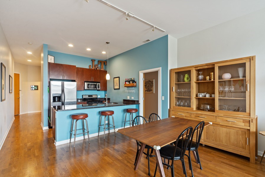 Real Estate Photography - 4420 N. Clark, #305, Chicago, IL, 60640 - Dining Room / Kitchen