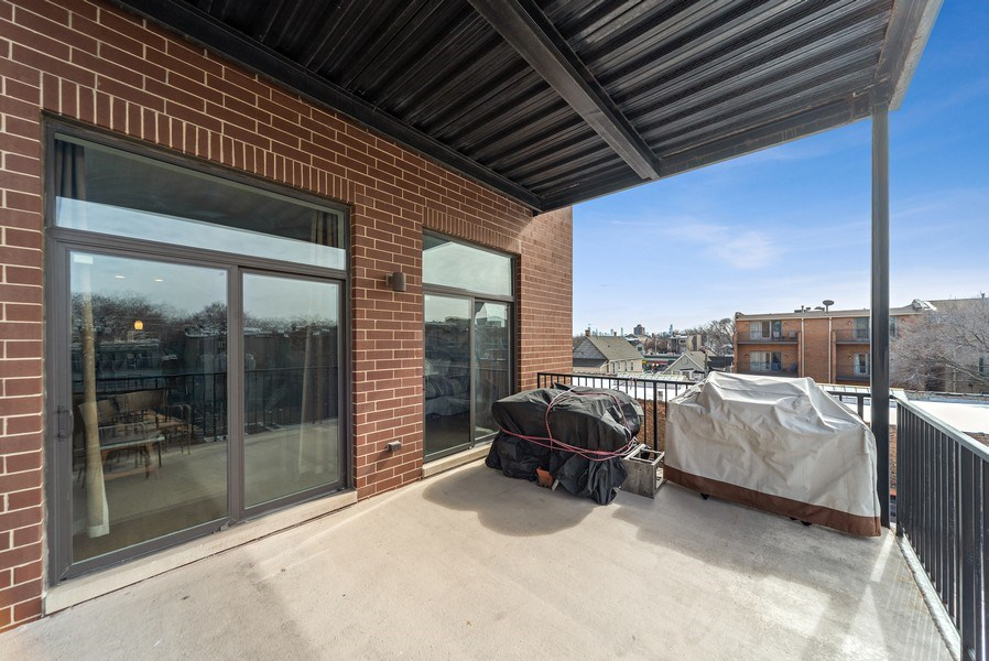 Real Estate Photography - 4420 N. Clark, #305, Chicago, IL, 60640 - Terrace