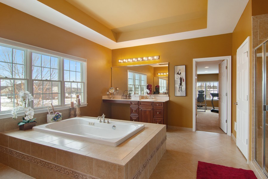 Real Estate Photography - 20 Doral Drive, Hawthorn Woods, IL, 60047 - Master Bathroom