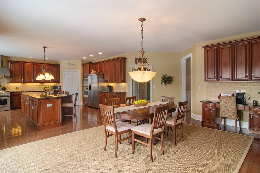 Real Estate Photography - 20 Doral Drive, Hawthorn Woods, IL, 60047 - Kitchen / Breakfast Room
