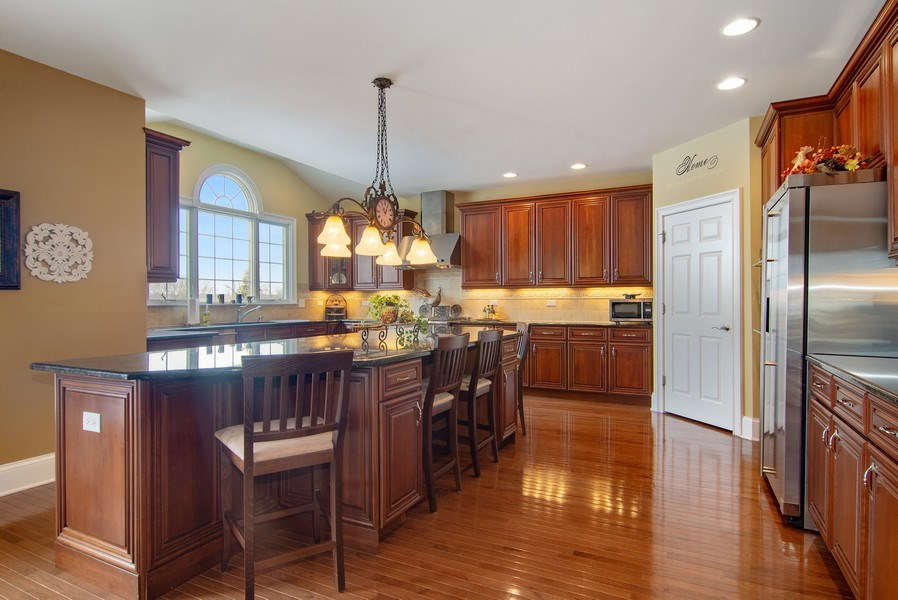 Real Estate Photography - 20 Doral Drive, Hawthorn Woods, IL, 60047 - Kitchen
