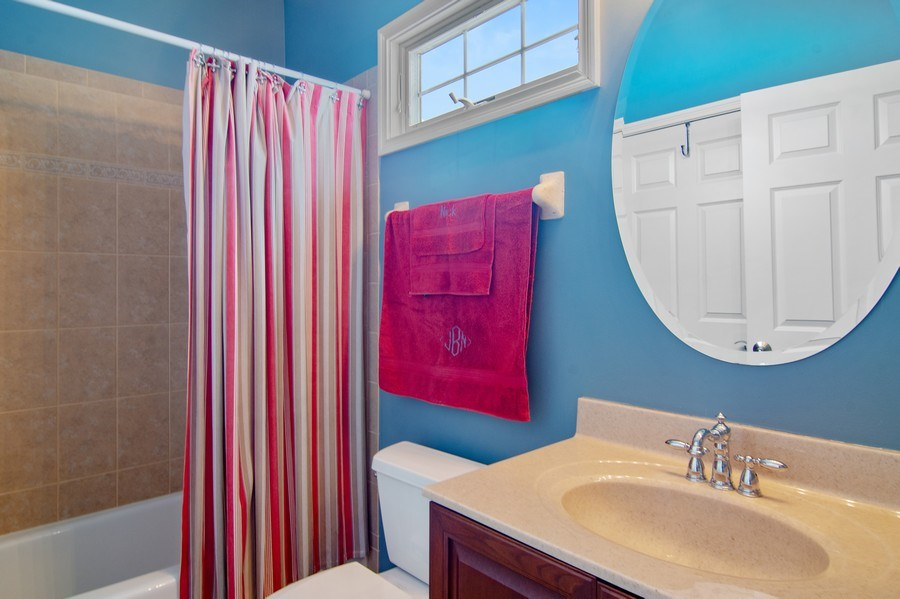 Real Estate Photography - 20 Doral Drive, Hawthorn Woods, IL, 60047 - Bathroom