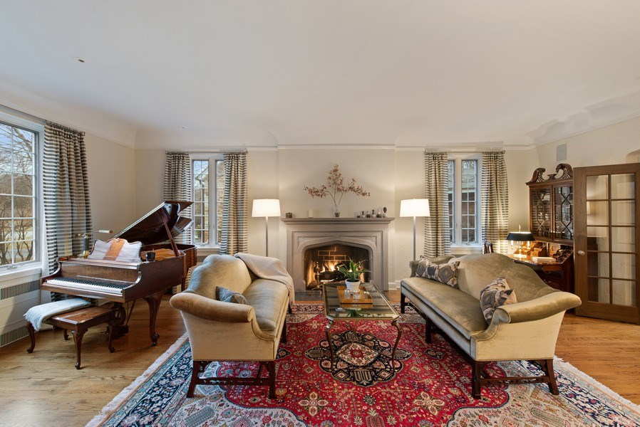 Real Estate Photography - 1200 Spruce, Winnetka, IL, 60093 - Living Room