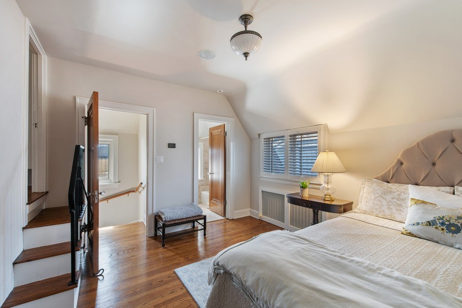 Real Estate Photography - 1200 Spruce, Winnetka, IL, 60093 - Guest suite