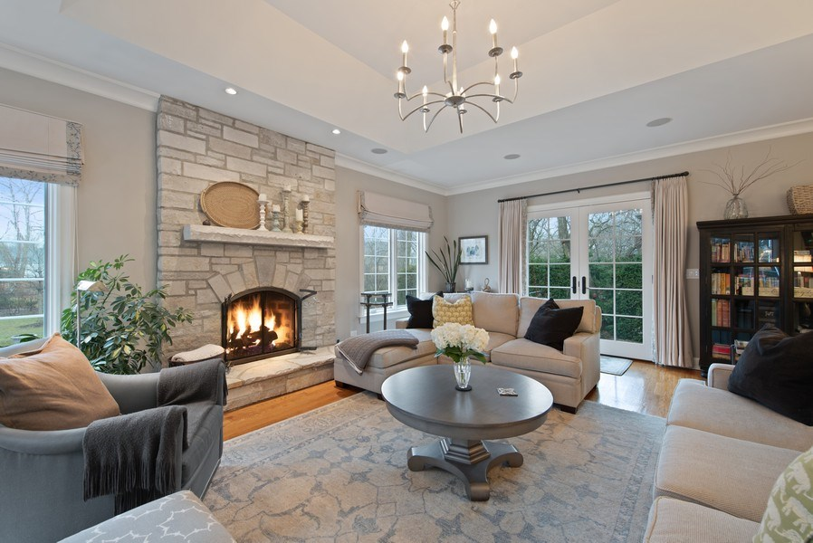 Real Estate Photography - 1200 Spruce, Winnetka, IL, 60093 - Family Room