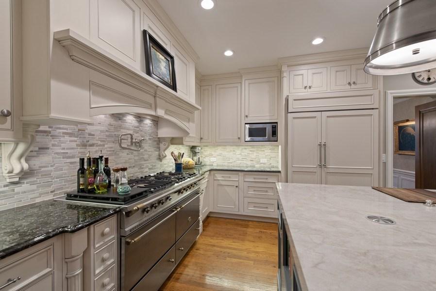 Real Estate Photography - 1200 Spruce, Winnetka, IL, 60093 - Kitchen