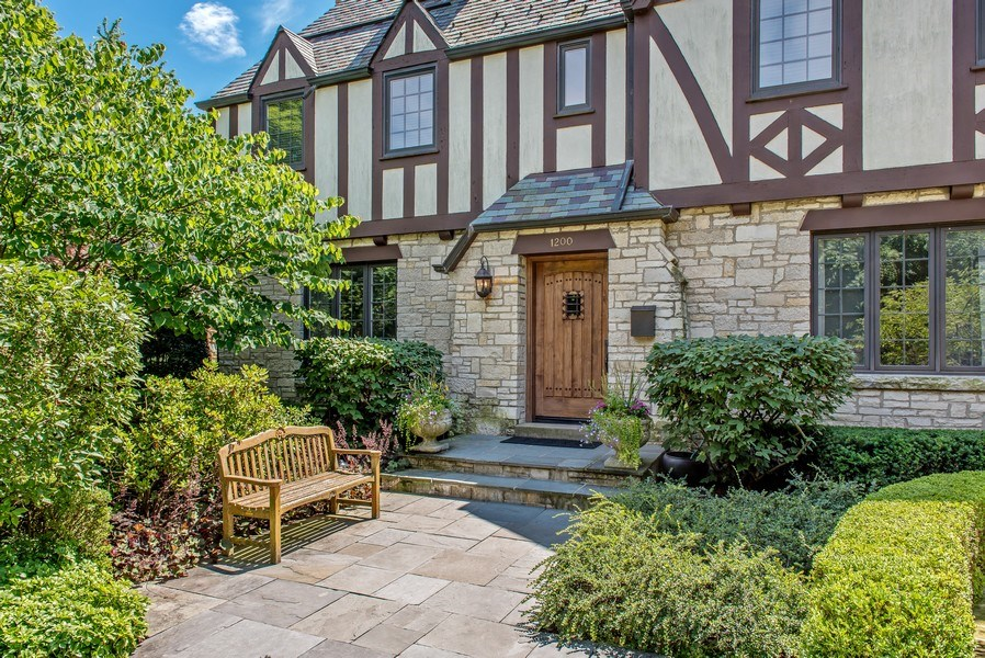 Real Estate Photography - 1200 Spruce, Winnetka, IL, 60093 - Front View