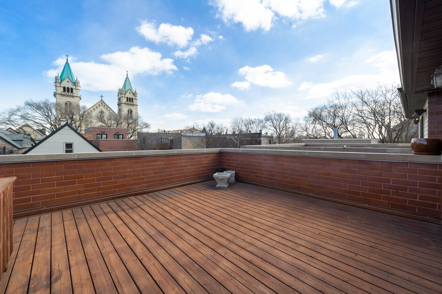 Real Estate Photography - 2309 N. Janssen Ave., Chicago, IL, 60614 - Roof Deck