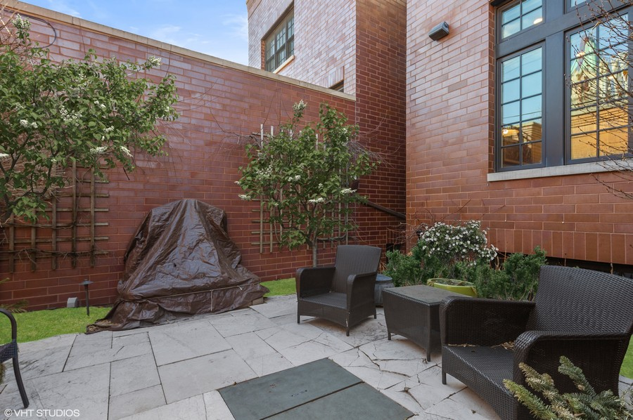 Real Estate Photography - 2309 N. Janssen Ave., Chicago, IL, 60614 -
