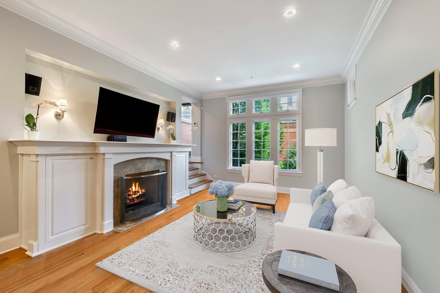 Real Estate Photography - 2309 N. Janssen Ave., Chicago, IL, 60614 - Family room - roof deck access