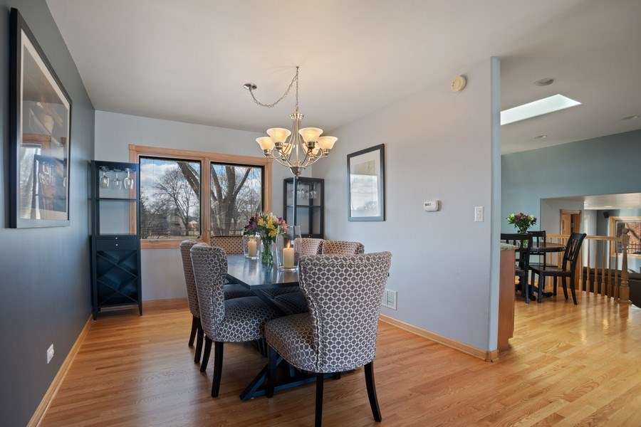 Real Estate Photography - 1711 S Milbrook Ln, Arlington Heights, IL, 60005 - Dining Room