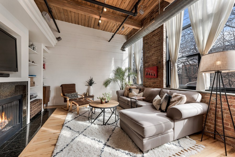 Real Estate Photography - 1259 N Wood St, 206, Chicago, IL, 60622 - Living Room
