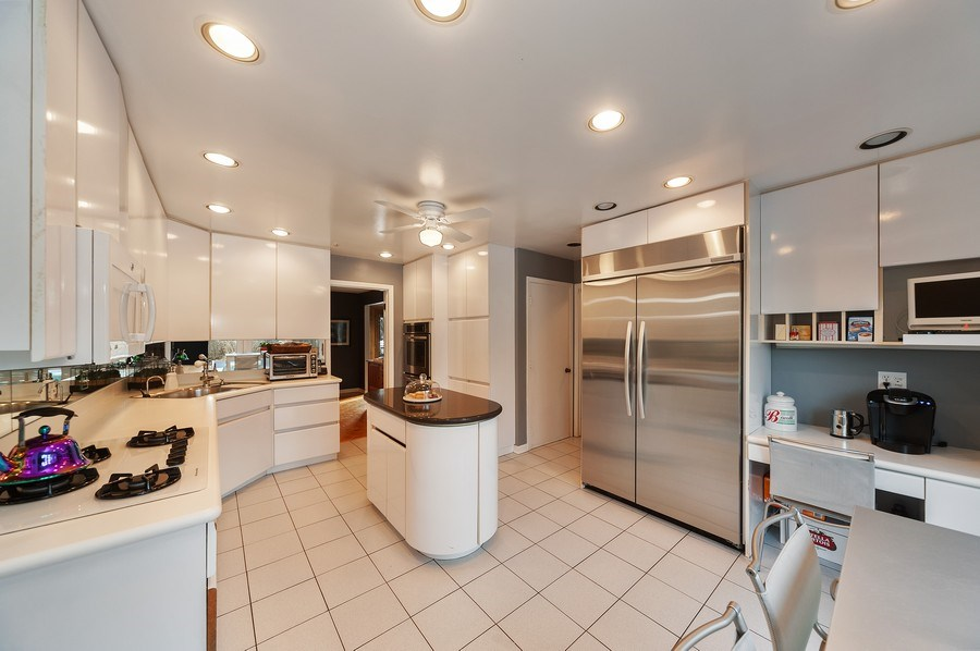 Real Estate Photography - 1356 Rosewood Ave, Deerfield, IL, 60015 - Kitchen