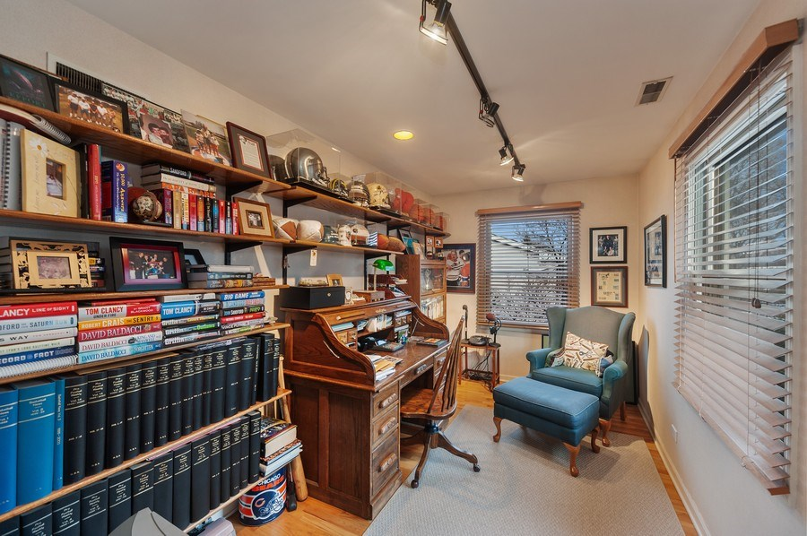 Real Estate Photography - 1356 Rosewood Ave, Deerfield, IL, 60015 - Office