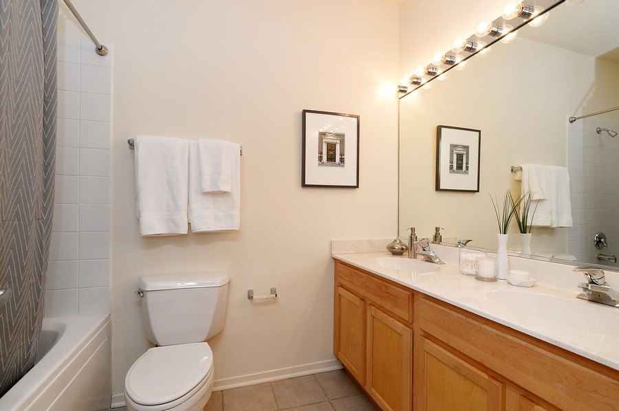 Real Estate Photography - 1935 N. Fairfield, #104, Chicago, IL, 60647 - Master Bathroom
