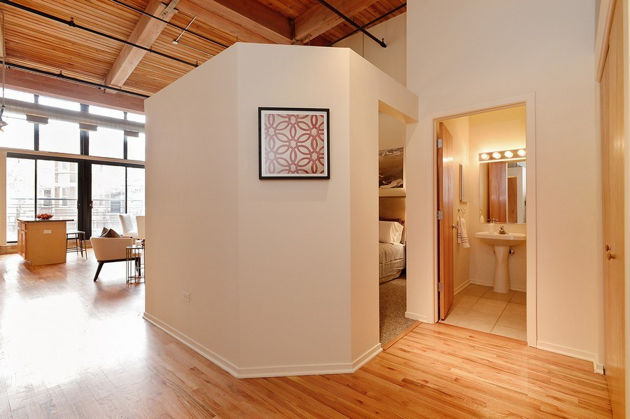 Real Estate Photography - 1935 N. Fairfield, #104, Chicago, IL, 60647 - Hallway