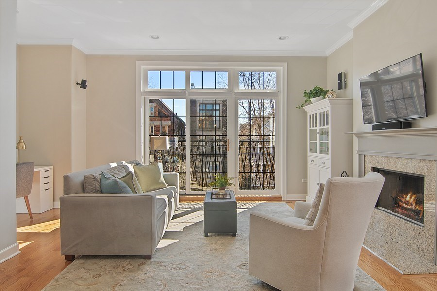 Real Estate Photography - 1846 W Armitage, Unit 2W, Chicago, IL, 60622 - Living Room