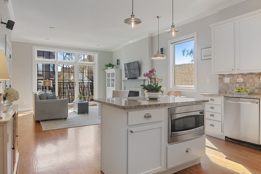 Real Estate Photography - 1846 W Armitage, Unit 2W, Chicago, IL, 60622 - Kitchen/Living