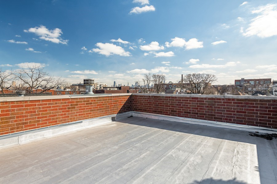 Real Estate Photography - 1921 W George, Chicago, IL, 60618 - Roof Deck