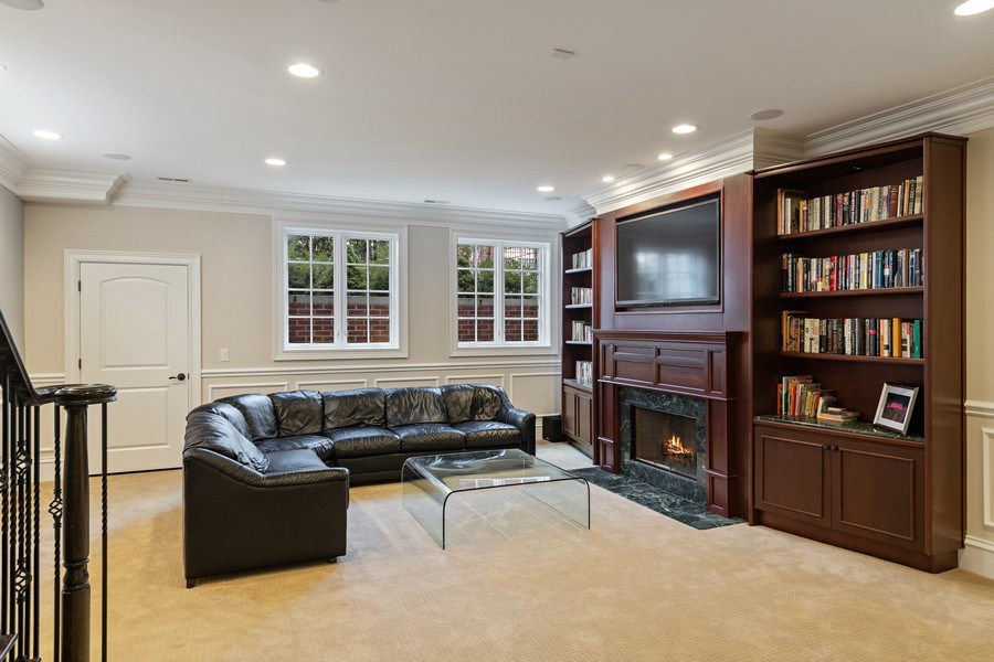 Real Estate Photography - 1921 W George, Chicago, IL, 60618 - Family Room