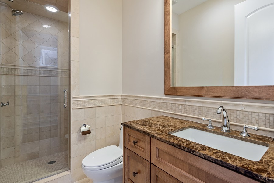 Real Estate Photography - 1921 W George, Chicago, IL, 60618 - Bathroom