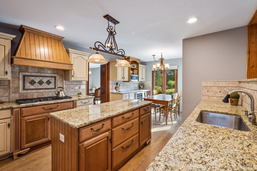 Real Estate Photography - 19441 W Tahoe Dr, Mundelein, IL, 60060 -