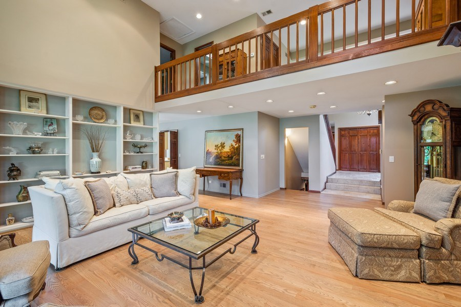Real Estate Photography - 19441 W Tahoe Dr, Mundelein, IL, 60060 - Great room