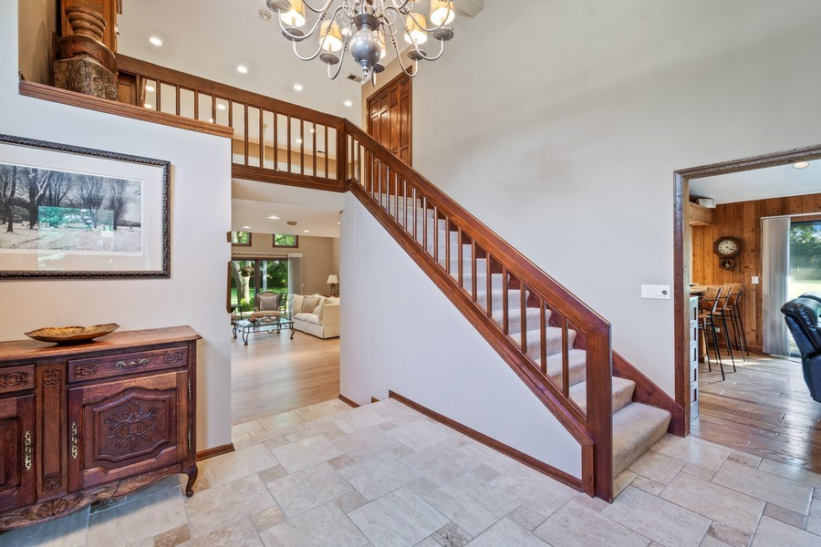 Real Estate Photography - 19441 W Tahoe Dr, Mundelein, IL, 60060 - Foyer