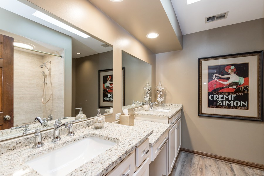 Real Estate Photography - 19441 W Tahoe Dr, Mundelein, IL, 60060 - Bathroom