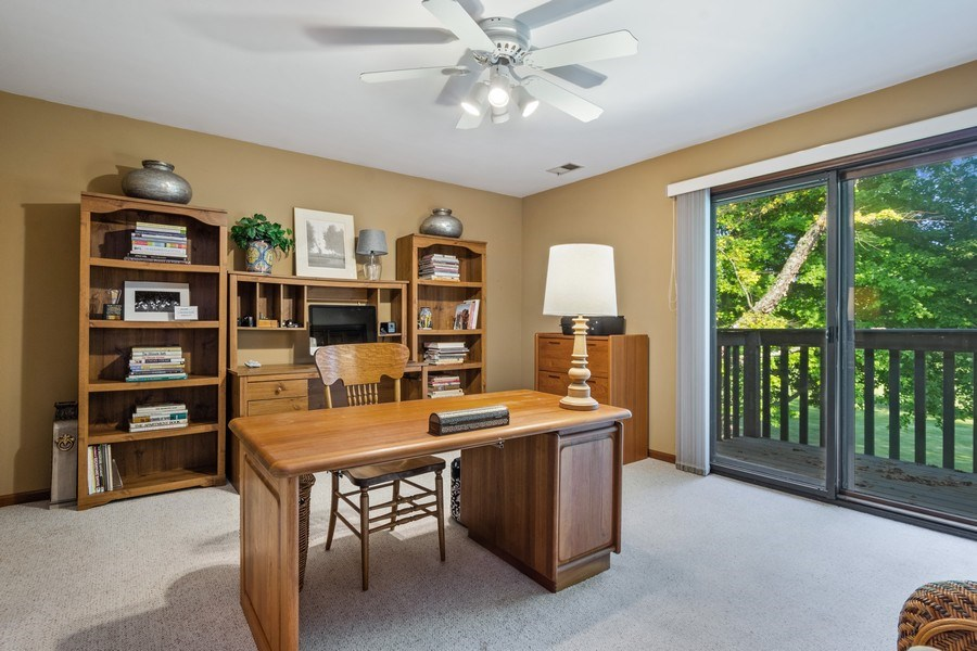 Real Estate Photography - 19441 W Tahoe Dr, Mundelein, IL, 60060 - Office