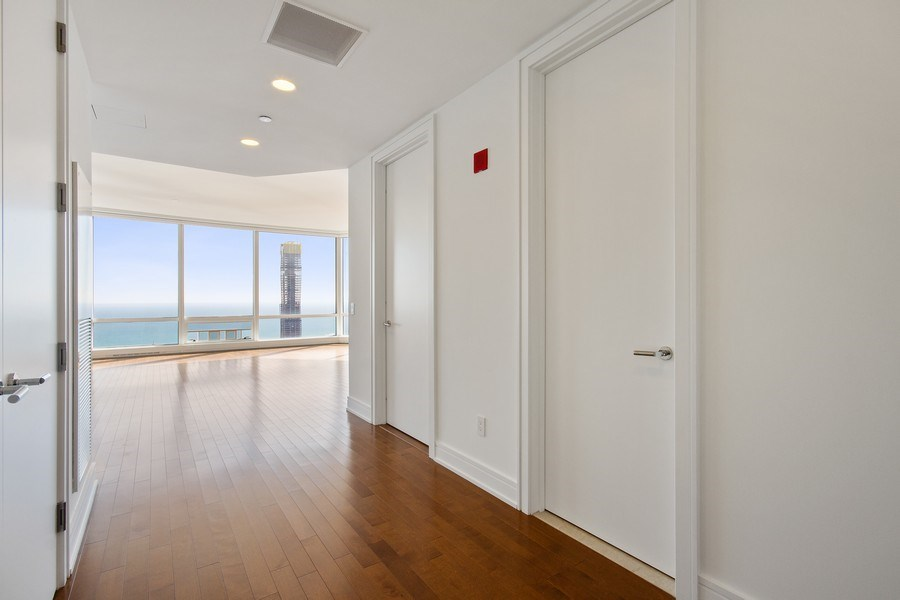 Real Estate Photography - 401 N Wabash, Unit 69G, Chicago, IL, 60611 -