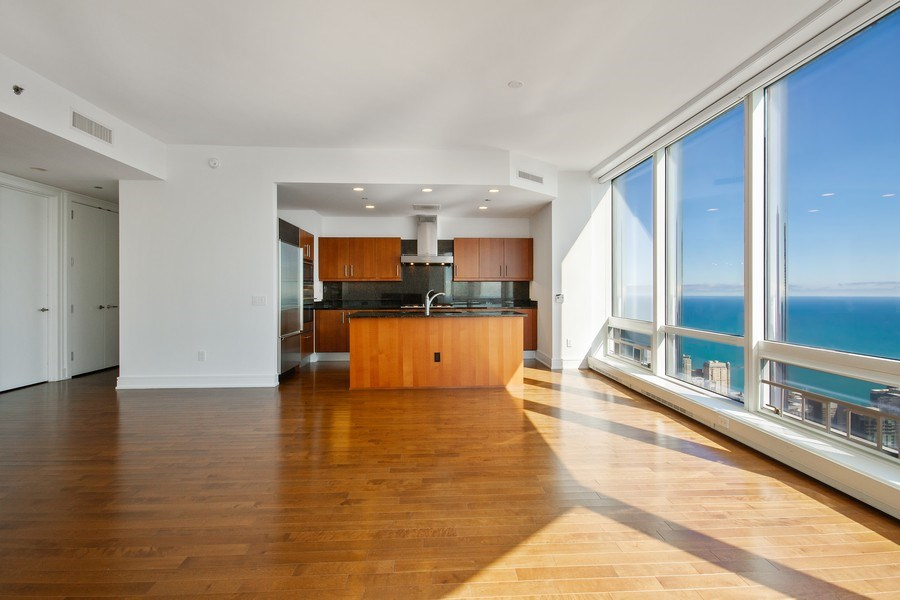 Real Estate Photography - 401 N Wabash, Unit 69G, Chicago, IL, 60611 - Dining Area