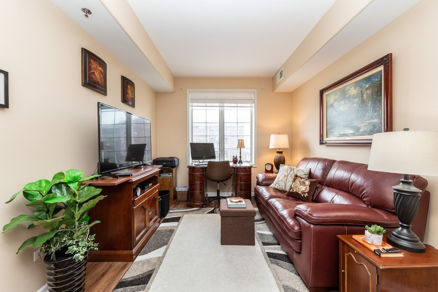 Real Estate Photography - 543 N Hough St, Unit 204, Barrington, IL, 60010 - Den