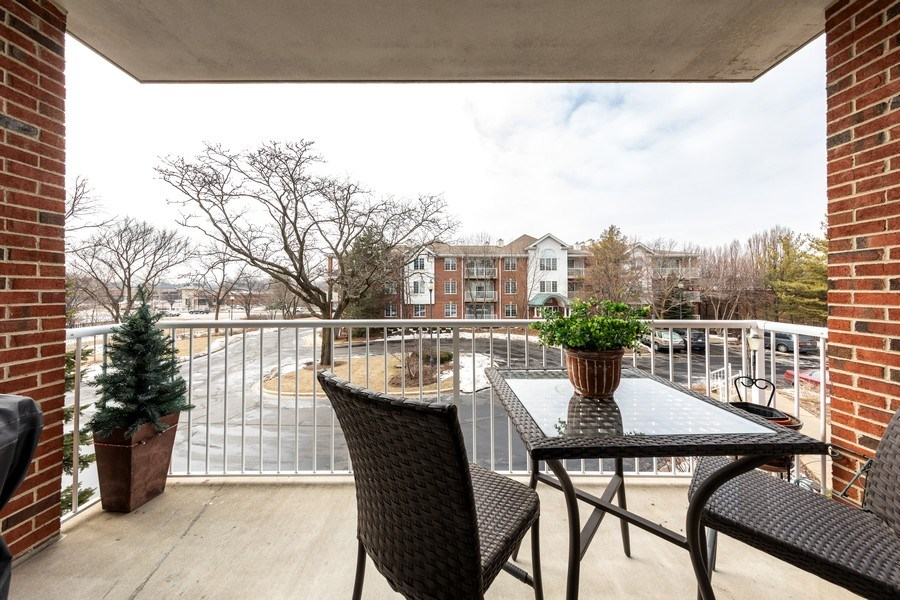 Real Estate Photography - 543 N Hough St, Unit 204, Barrington, IL, 60010 - Balcony