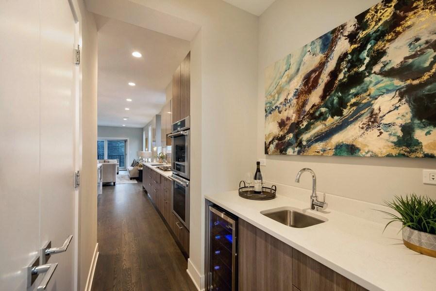 Real Estate Photography - 1220 W OHIO STREET 1, CHICAGO, IL, 60642 -